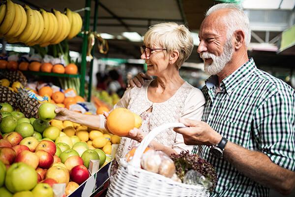 Les marchés locaux et marchés nocturne