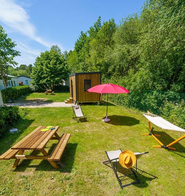 Un emplacement nu Prestige dans un camping Côté Ô